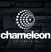Sunday August 23th 05.00pm CET- CHAMELEON Radio by Steve Ward