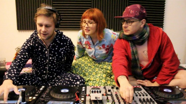 Saturday February 11th 11.00pm CET – We love Bebetta in Bed #06 Super Flu